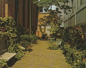 Vintage 1950s Postcard Baltimore Maryland Old Saint Paul's Church Garden Charles Saratoga Street Sanctuary Photochrome Era Postally Unused