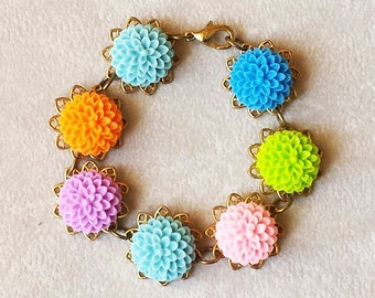 Boho Chic Pastel Flower bracelet, colorful bracelet, Vintage resin flower cabochon, Birthday gifts ideas for women