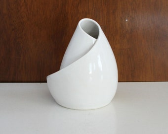 Mid Century Inspired White Porcelain Sculpture - Conversation Piece in White No. 10 - Modern Art Sculpture
