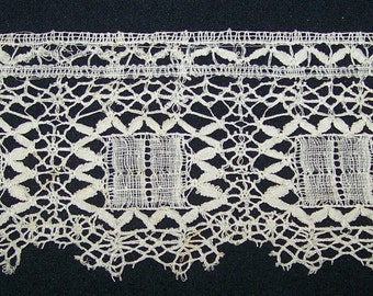 Beautiful VINTAGE Delicate Cluny Bobbin Lace Edging Wedding Boudoir