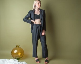 VALENTINO pinstriped wool blue pant suit / cropped pant suit / lightweight suit / m / 8 / 1993o / R5