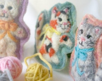 Three Little Kittens: Felted Wool Play Set of 3 Cats (All Natural, Waldorf Inspired Toys)