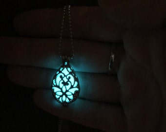 Rechargeable Tear Drop Glow necklace