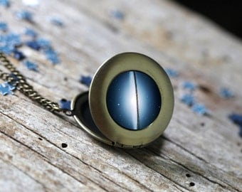 Sombrero Nebula Round Locket - Galaxy Pendant Necklace - Unique Astronomy Gift - Outer Space Necklace - Black Blue White - Yugen Tribe