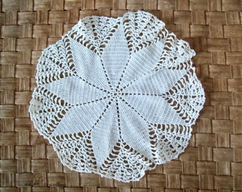 Vintage Doily, Handmade Doily, Hand Crocheted Doily, Delicate Fine, Cotton Thread, Antique White, Round Doily, Home Decor