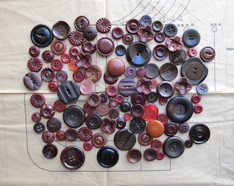 Vintage Buttons - Burgundy Mix