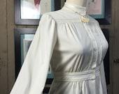 Fall sale 1970s ivory blouse 70s boho blouse size medium Vintage blouse Victorian style shirt