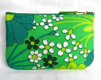 1970's Retro Vintage Make Up Bag, Zip Purse, Pouch - Apple Green Floral Print. Ipod & Earphones Case.