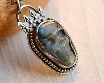 Silver Labradorite Skull Necklace, Boho Style Skull Pendant, Bohemian Metalwork, Silversmith Necklace