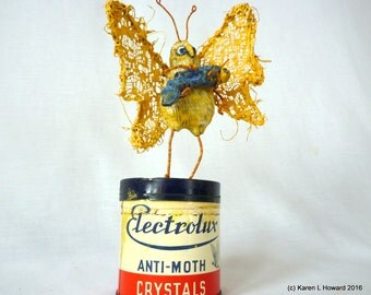 Baby Crystal With Auntie Moth - Original USA Wood Carving- Aussie Vintage Tin