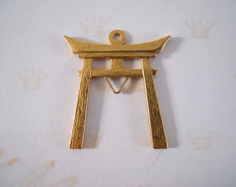 Vintage  Brass Asian Gate Finding