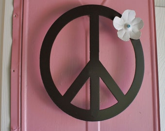 Large Metal Peace Sign with Flower Wall Decor 3