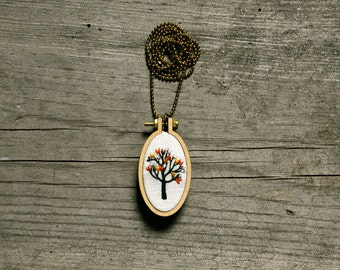 hand embroidery necklace - Little Tree - white linen