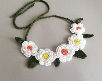 Crochet Necklace,Bib Necklace, Embroided Necklace, Statement Necklace, Bib Statement, Flower Necklace