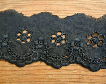 Vintage eyelet lace, cotton BLACK trim lace, 2 yards, 1.5inch width, cut of the original pack