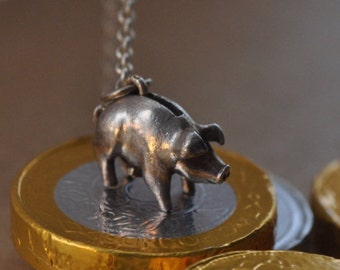 PIG Vintage Charm, Pig charm, Charm necklace, Pig necklace, Piggy Bank, Vintage Jewellery, Moving Charm, Vintage Charm, Charm Necklace, pig