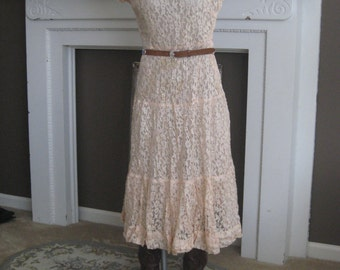 1950s Peach Lace Dress with Full Skirt Boho Chic Cowgirl Country Wedding (4073-W)