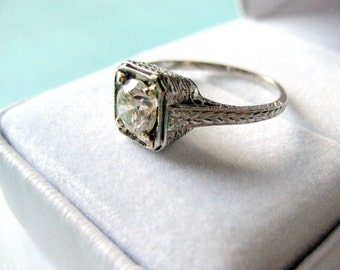 SALE...Art Deco 0.85 Carat Diamond and Platinum Engagement Ring