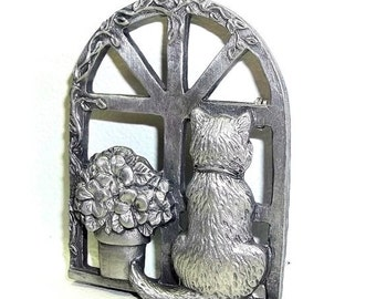 Cat Window Flowers Spoontiques Pin Art vintage brooch pin pewter
