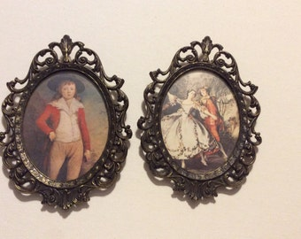 Pair of Vintage Made in Italy Ornate Oval Picture Frames