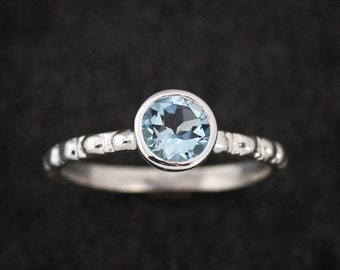 Round Aquamarine Ring,Ocean Blue Gemstone Ring,Eco Silver Ring,March Birthstone,Aternative Engagement Ring,Aquamarine Solitaire or Stackable