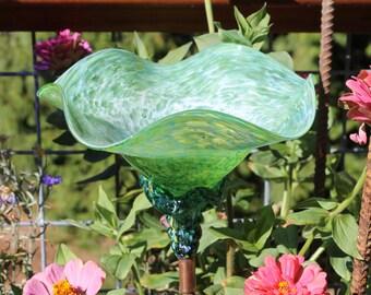 Spring Green Hand Blown Glass Flower Garden Art Sculpture Outdoor Decoration Garden Finial