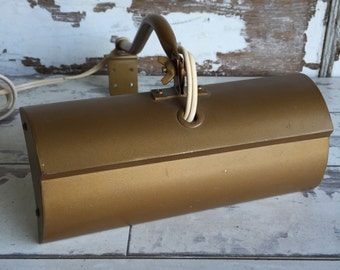 Vintage Art Lamp - Metal Wall Mounted Electric - Gold-tone