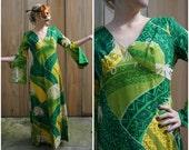 Vintage 60's Green Hawaiian Maxi Dress in Wild Printed Barkcloth with Dramatic Split Sleeves by Hawaii Nei Honoluli | Medium Large