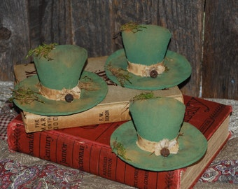 SET OF THREE St. Patrick's Day Leprechaun HatTucks Primitive Ornies Green Bowl Fillers