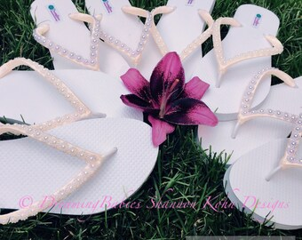 Daisy Bridal Ivory Flip Flops, Custom Flip Flops, Dancing Shoes, Pearl Daisy Bridal Sandals, Wedding Flip Flops, Beach Wedding Shoes Sandals