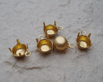 Brass 29ss/6mm (6.14mm to 6.32mm) Small 1 Ring/Loop Closed Back Round Prong Settings for Pointed Back & Flat Back Jewels or Cabs (12 pieces)