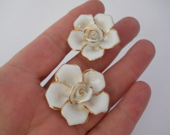 Porcelain Roses Vintage Jewelry Parts for Repurpose Large White Roses with 14k Gold Trim 1950's Era Jewelry Reuse Art Project Bridal Supply