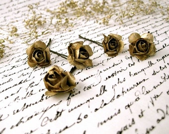 GOLD flower bobby pins // petite bridal hair flowers