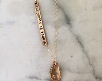 Oyster necklace bronze