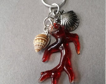 SEA & SUN COLLECTION Sea Coral Pendant with silver clam shell and a real sea shell