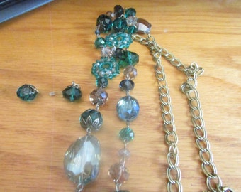 Green crystal glass necklace