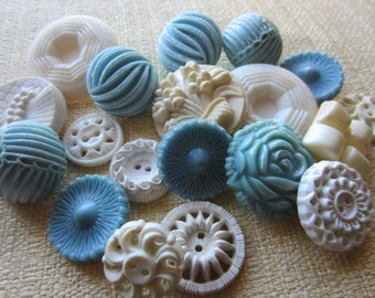 Vintage Buttons - Cottage chic mix of blue and off white lot of 20, old and sweet (feb 51b)
