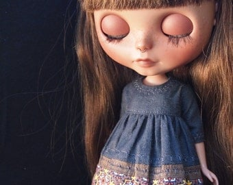 Mixed Textiles Classic Girl dress