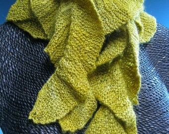 Knitted Ruffle Scarf: Abby