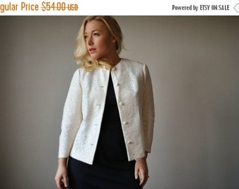 ON SALE 1950s Cream Knit Lace Jacket~Size Extra Small to Small