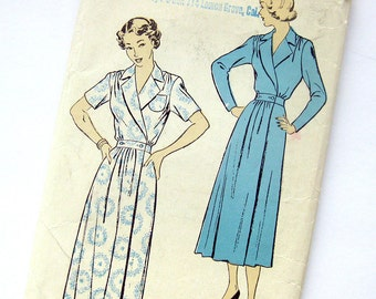 1940s Vintage Housecoat Pattern New York Pattern 579 Gold Seal Floor Length Hostess Robe Pattern / Size 16 Bust 34