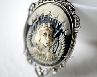 Snow White Gothic Necklace - Ivory Black Cameo 40x30mm - 2 Setting Colors - Insurance Included