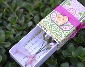 Mother Message Box and Gift Bag with Paper Flowers Inside