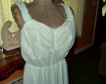 1950's Vintage Nylon Nightgown sz 42 bias cut Elegant vintage Lingerie