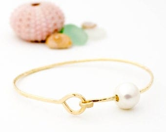 Bangle with Clasp and Pearl - 14K Yellow Gold Filled
