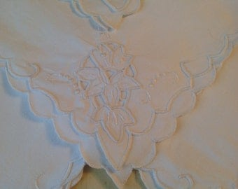 Vintage Linen Napkins White on White Openwork Flowers Set of 4