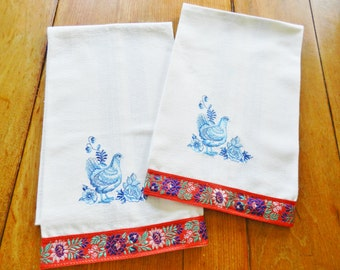 Country French Kitchen Towels, Rooster Country Towels, NOS Towels, Machine Embroidery, Blue Towels, Red Towels, Farmhouse Kitchen Towels