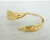 Sale 20% OFF Leaves Curvy Bracelet, wedding bracelet, bridal bracelet, bridesmaid's gift jewelry