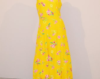 Vintage Dress Summer Yellow with Flowers Free Flowing