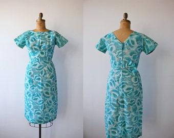 1950s vintage dress / 50s blue floral print dress / 50s blue wiggle dress / cinch back 50s dress / size medium m med